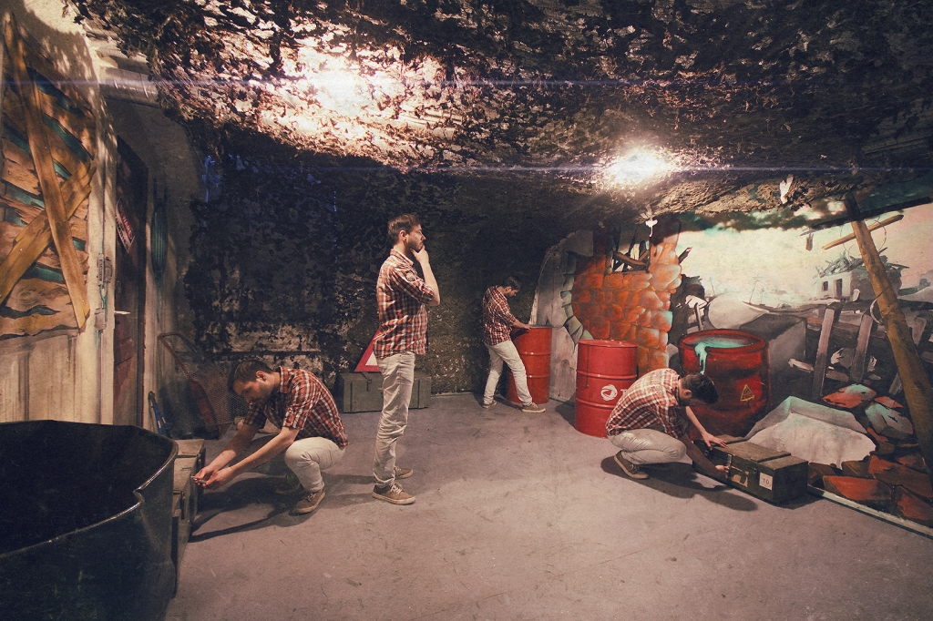 Team Building in Escape Rooms